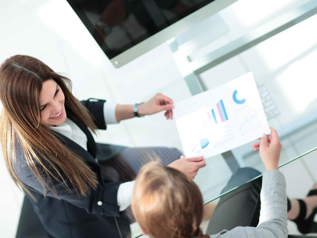 Soyez serein dans la gestion de la paie et des déclarations sociales.
