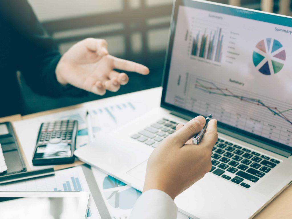 Mirabeau Finance accompagne également les particuliers dans leurs obligations fiscales.